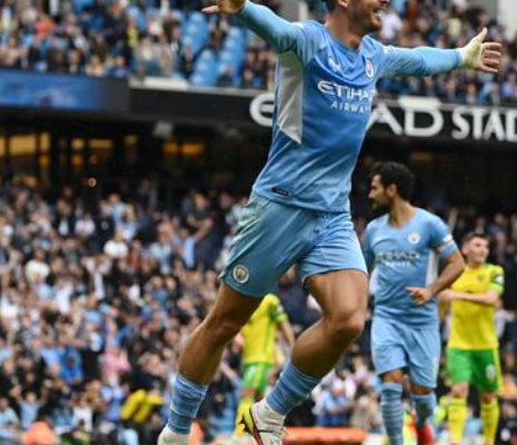 Manchester City defeating Norwich City 5-0